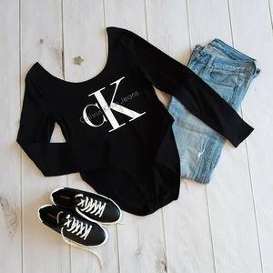 Calvin Klein Jeans Scoop Logo Longsleeve Bodysuit